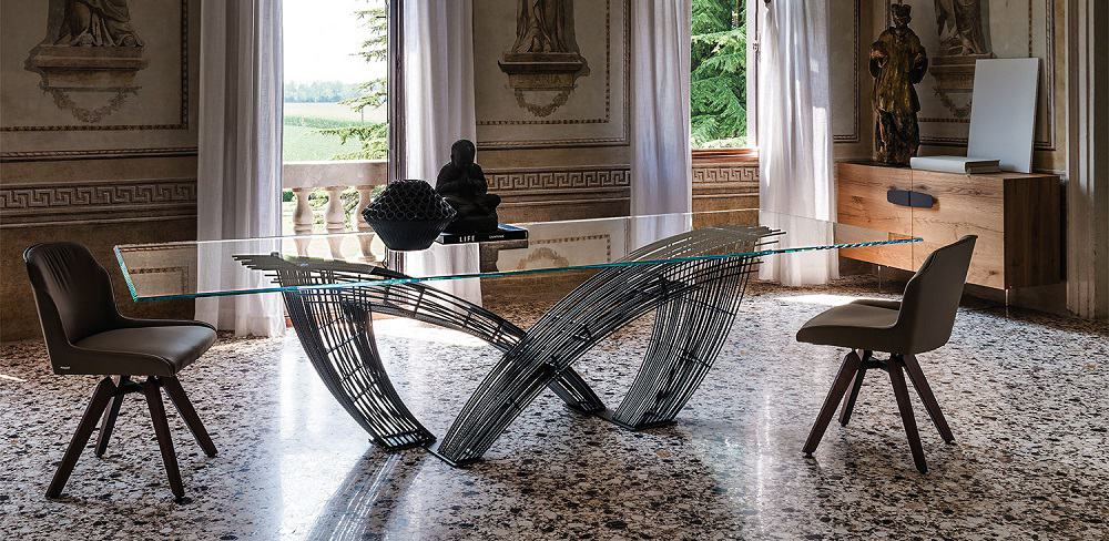 hysterix dining table