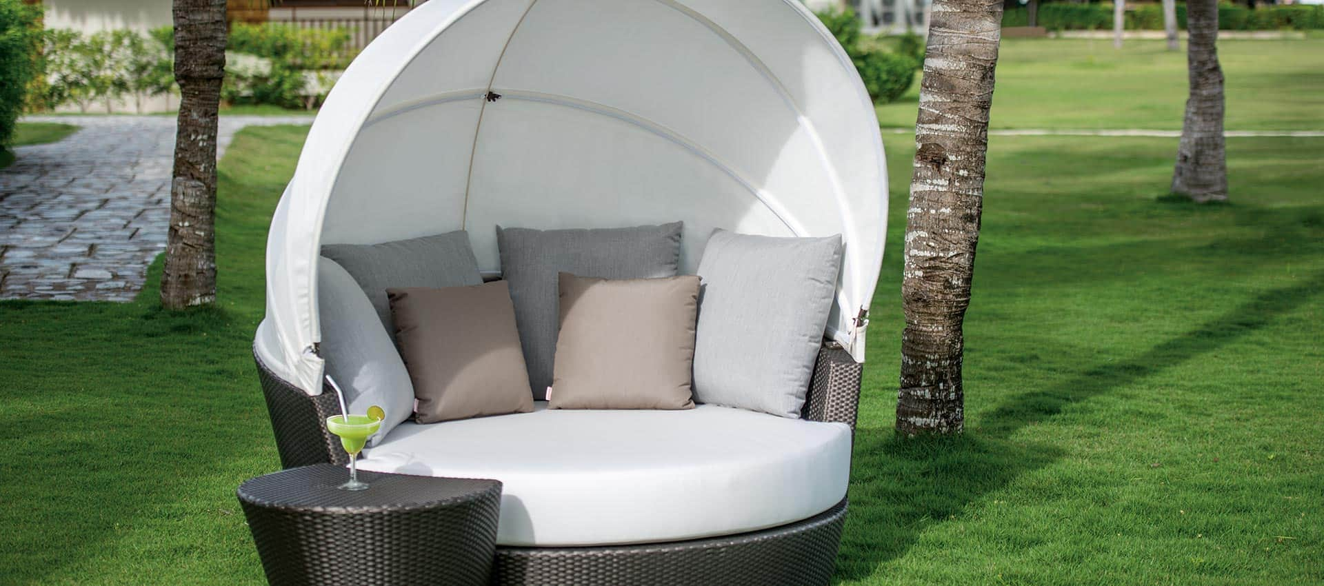 outdoor furniture nest daybed collection