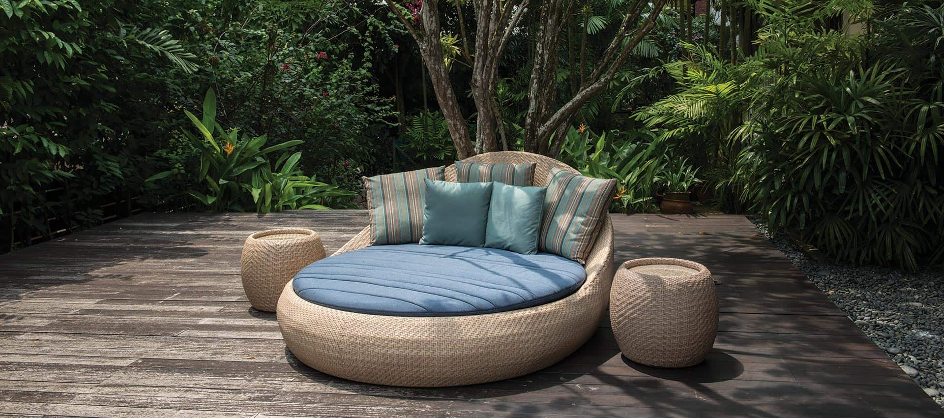 outdoor furniture sol daybed collection